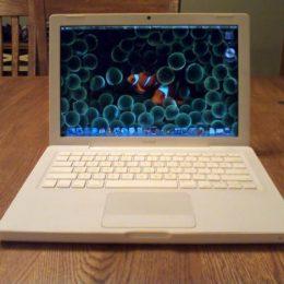 MacBook 2.0 Core2 4GB RAM יד שניה