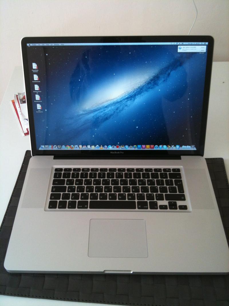 Mac Pro 17 Inch בהזדמנות! יד שניה כמו חדש