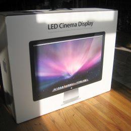 מסך Apple Cinema Display LED 24-Inch יד שניה